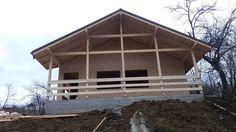 Preturi constructii case lemn la rosu -  constructia casei de la Valcane...