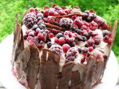 Reteta culinara Tort cu fructe de padure si crema de ciocolata din categoriile Dulciuri diverse, Torturi. Cum sa faci Tort cu fructe de padure si crema de ciocolata Pudding, Pie, Desserts, Recipes, Food, Pie And Tart, Pastel, Deserts, Custard Pudding