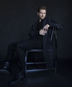 """Our latest Man of Style,"""" Matt Czuchry, chats about fame, fortune and reprising his role of Logan Huntzberger in Netflix's upcoming Gilmore Girls reboot."""