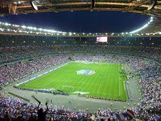 Estadio de Francia, Saint-Denis, Francia Capacidad 81 338 (fútbol y rugby). Propietario Estado francés, equipos selección de fútbol de Francia y Selección de rugby de Francia