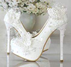 47.60$  Watch now - http://alimgi.shopchina.info/go.php?t=32704505427 - New design white wedding shoes for woman butterfly beading pearls sweet extra high thin heels bridal wedding pumps TG372 women's 47.60$ #buyonline