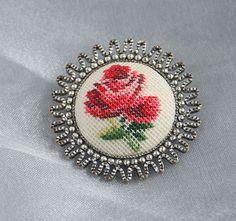 Vintage Petit Point Brooch Pin Small by CamanoIslandVintage