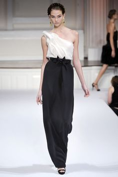 Oscar de la Renta Spring 2010 Ready-to-Wear Fashion Show - Karlie Kloss