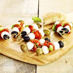 Italiaans tomaat-mozzarellaprikkertje