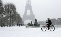 Merry Christmas from Paris (Where there's a real snow storm!!)