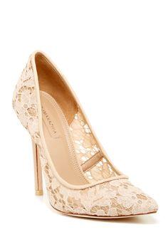 lace pumps... Gorgeous
