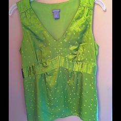 ANN TAYLOR BLOUSE Beautiful used top!!!! Ann Taylor Tops Blouses