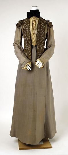 Walking dress  House of Worth       1900–1903