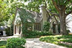 Home : Cottage in Dallas, TX