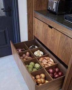 56 Clever Way Decorate Kitchen Cabinet Organization Design-Ideen - Kitchen cabinets organization Kitchen Room Design, Modern Kitchen Design, Home Decor Kitchen, Interior Design Kitchen, Kitchen Furniture, Home Kitchens, Furniture Ideas, Country Kitchen, Decorating Kitchen