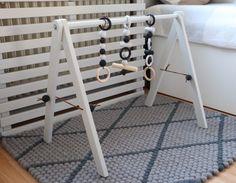 Im Sommer hatte mich der Nestbautrieb voll im Griff, denn ich habe auch ein Babygym aus Holz im skandinavischen Design selber gebaut.