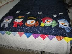 Snowman Quilt - pattern is from Toppers by Lynda Milligan & Nancy Smith Quilt Baby, Quilt Bedding, Patchwork Quilting, Applique Quilts, Small Quilts, Mini Quilts, Quilting Projects, Quilting Designs, Quilting Ideas