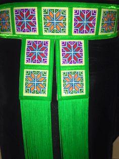 Muag khoom hmoob added a new photo. Hmong Clothing, Clothing Items, Hmong People, Palestine, Fashion History, Sash, Fiber Art, Applique, Cross Stitch
