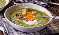 Um prato típico da cozinha tradicional portuguesa, as ervilhas com ovo escalfado são aqui transformadas numa sopa substancial.