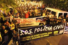 Policiais civis entram em estado de greve – O Jornal de Caruaru Apoia. http://www.jornaldecaruaru.com.br/2015/11/policiais-civis-entram-em-estado-de-greve-o-jornal-de-caruaru-apoia/
