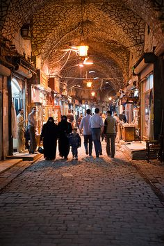 souk al-madina, aleppo, syria (photo dated 10.30.10, it is now destroyed) | travel photography #bazaars