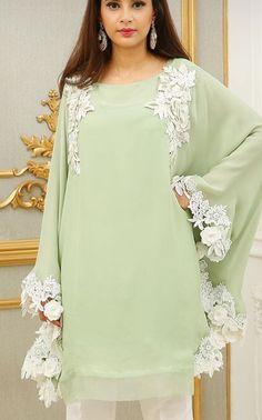 Pakistani Formal Dresses, Pakistani Fashion Casual, Pakistani Dress Design, Fancy Dress Design, Stylish Dress Designs, Stylish Dresses For Girls, Simple Dresses, Tunic Designs, Sleeve Designs