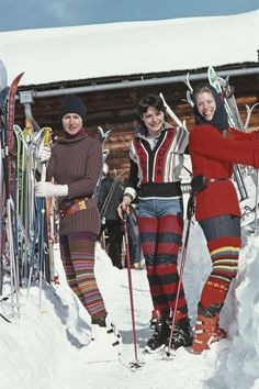 The Fashionable and the Fast - Skiing Photographs by Slim Aarons - Flashbak Slim Aarons, Vintage Classics, Vintage Ski, Star Of The Day, Image Archive, Apres Ski, Ski Fashion, High Society, Unique Image