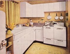 home decor retro bakery 1950s Kitchen, Old Kitchen, Vintage Kitchen, Kitchen Dining, Retro Kitchens, Kitchen Ideas, Vintage Interiors, Vintage Home Decor, 1950s Interior