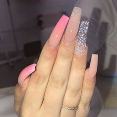Semi-permanent varnish, false nails, patches: which manicure to choose? - My Nails Aycrlic Nails, Glam Nails, Bling Nails, Acryl Nails, Pink Acrylic Nails, Fire Nails, Perfect Nails, Pretty Nails, Claws