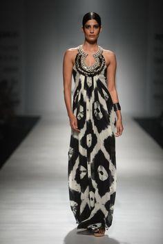 Malini Ramani At Amazon India Fashion Week Autumn/Winter 2017 #indiafashion,