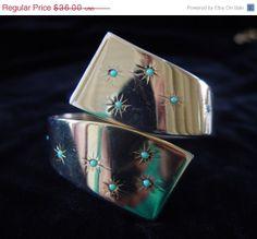 SALE Vintage 50s Hinged Clamper Bracelet Goldtone by mustangannees, $28.80