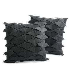 Bats Throw Pillow, so easy to make try add purple for kyrin halloween