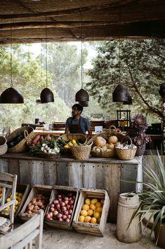 Outdoor Cooking Area, Outdoor Dining, Outdoor Cafe, Barn Cafe, Ibiza Restaurant, Forest Cafe, Casas The Sims 4, Farm Store, Fruit Shop