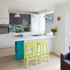 White kitchen with citrus accents | Decorating