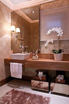 bancada de banheiro em madeira.