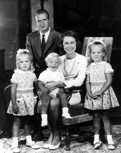 King Juan Carlos and Queen Sophia of Spain with their children from l to r: Infanta Christina ( now Duchess of Palma de Mallorca), Prince Felipe of the Asturias and the Infanta Elena (now the Duchess of Lugo)