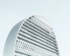 A arquitetura geométrica de Madri, pelas lentes de Joel Filipe