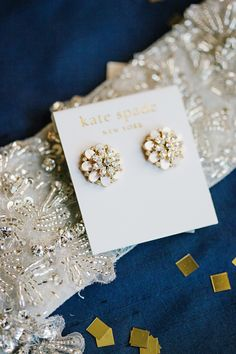 Sweet earrings. Kate Spade. Photography: Lisa Hessel Photography - lisahesselphotography.com Read More: http://www.stylemepretty.com/2014/05/20/preppy-st-louis-wedding-at-forest-park-visitors-center/