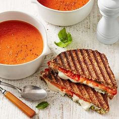 Check out healthy family dinner recipes like tomato soup and grilled cheese. Here are 10 easy recipes for busy nights. Vegetarian Recipes Easy, Veggie Recipes, Dinner Recipes, Cooking Recipes, Healthy Recipes, Healthy Meals, Easy Recipes, Healthy Eating, Veggie Meals