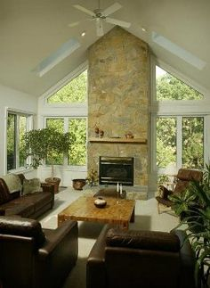 Are you looking for trapezoid window shades that open fully? Now you can get window shades for your trapezoid windows without having to choose between protection of the sun's glare and beautiful view. Fireplace Windows, Sunroom Windows, Living Room Windows, House Windows, Window Coverings, Window Treatments, Prairie House, Interior Trim, Interior Design