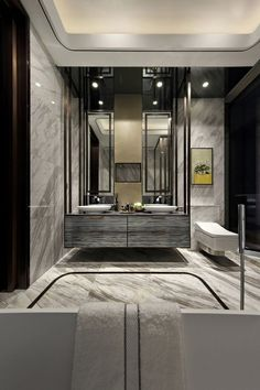 A smart idea when creating a luxury bathroom is to look at the designs of top hotels for inspiration. Bathroom Spa, Bathroom Toilets, Bathroom Interior, Modern Bathroom, Washroom, Bathroom Ideas, Bathroom Designs, Bad Inspiration, Bathroom Inspiration