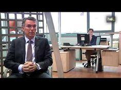 CHAVSA nació hace 30 años en Sevilla como una empresa familiar dedicada a la venta de mobiliario de oficina. Simón Chávarri decidió dar un giro radical a la compañía al llegar a su dirección y actualmente desarrolla el interiorismo de la nueva sede de la OTAN en Bruselas. Sus premisas, el uso eficaz de los espacios y la máxima eficiencia de los recursos energéticos.