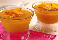 Sugestão do dia  Gelatina de laranja e carambola  Nota 10 ;)