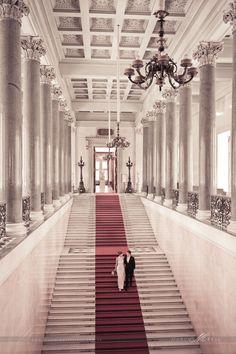Hermitage St-Petersburg - El Museo del Hermitage de San Petersburgo, Rusia, es una de las mayores pinacotecas y museos de antigüedades del mundo