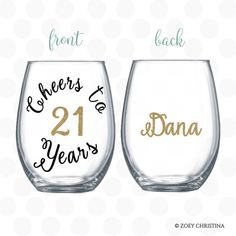 birthday decorations Lets celebrate your birthday in style! birthday gifts for her Lets make this a celebration to remember with our unique Cheers to 21 years w 21st Birthday Presents, 21st Birthday Decorations, Birthday Cards For Her, 21st Gifts, Diy Party Cups, Picnic Birthday, Happy Birthday Girls, Wine Glass, Girl Smile