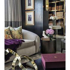 #Repost @ashleytstark with @repostapp ・・・ Pops of purple in London apt by Achille Salvagni atelier • • • • • #art #interior #interiordesign #architecture #instadecor  #interiorinspo #interiorinspiration #interiors #style #inspo #inspiration #decor #thewor