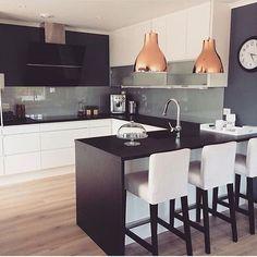 k i t c h e  n  i n s p o @sorlandskjokken.no  _________________________hem_inspiration  #passion4interior @passion4interior #interior123 @interior123 #interiorwarrior #ninterior #boligplussminstil #bobedre #rom123 #interior4all #interior4you #hltips #interiordesign #design #interior #interior4you1 #inspire_me_home_decor #inspirasjonsguidennorge #sørlandskjøkken#sorlandskjokken #@interior4you1 @interior_magasinet # #design #interiordesign #whiteinterior #nordicinspiration #myinteriortips…