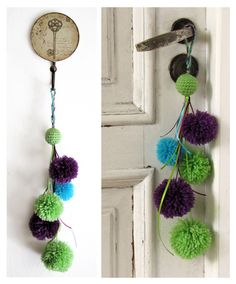 HOW TO MAKE A POM POM GARLAND & COOL POM POM CRAFTS There is really no step-by-step instructions to make a pom pom garland. Its so easy, all you need is pom poms, an embroidery needle with a large opening and string or baker's twine. Pom Pom Crafts, Yarn Crafts, Home Crafts, Diy And Crafts, Pom Poms, Boho Decor, Decoration, Crochet Projects, Tassels