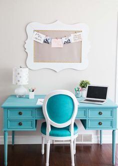 Blue Chalk Paint Desk... a beautiful and easy DIY, adding the perfect pop of…