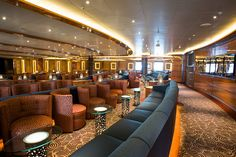 Royal Princess- Vista Lounge