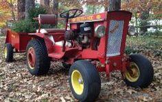 Bush Hog with Bush Hog dump cart and original rear wheel weights - Bush Hog - Gallery - Garden Tractor Talk - Garden Tractor Forums Small Tractors, Case Tractors, Old Tractors, Wheel Horse Tractor, Tractor Mower, Lawn Mower, Antique Tractors, Vintage Tractors, Garden Tractor Pulling
