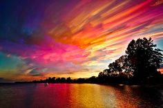 Photographer Captures Beautiful Smeared Skies With Time-Lapses - DesignTAXI.com