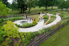 The Scotts Miracle-Gro Community Garden Campus | Franklin Park Conservatory and Botanical Gardens