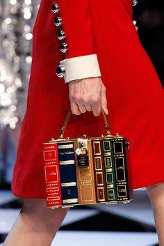 "voguesurvenus: Dolce & Gabbana Ready-to-Wear Fall. - voguesurvenus: "" Dolce & Gabbana Ready-to-Wear Fall 2016 "" Dolce & Gabbana, Dolce And Gabbana Bags, Fashion Bags, Fashion Show, Milan Fashion, High Fashion, Fashion Purses, Fashion Check, Fall Fashion"