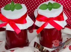 Strawberry jam with vanilla NejRecept. Strawberry Jam, Ketchup, Vanilla, Spreads, Food, Syrup, Chemistry, Essen, Meals